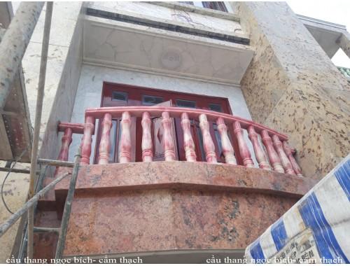 Cầu thang ngọc bích công trình 24