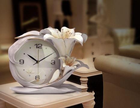 Đồng hồ trang trí để bàn 3D