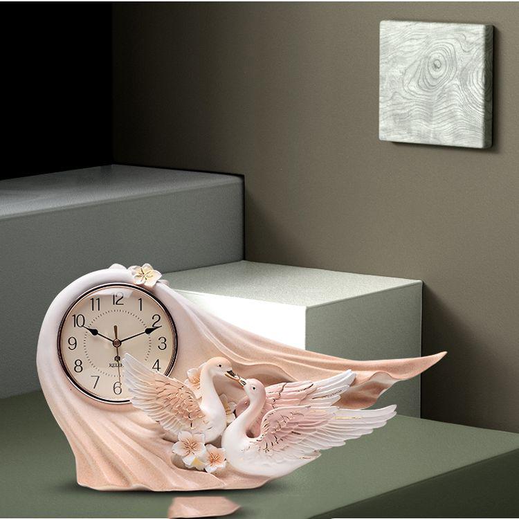 Đồng hồ để bàn thiên nga uyên ương 3D